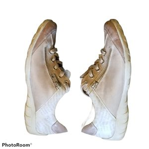 Beige REMONTE Sneakers (Size 7/ Size 5.5 Mens & Y)
